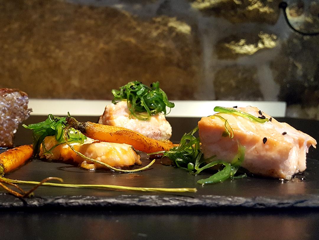 Salmón macerado con cítricos al horno