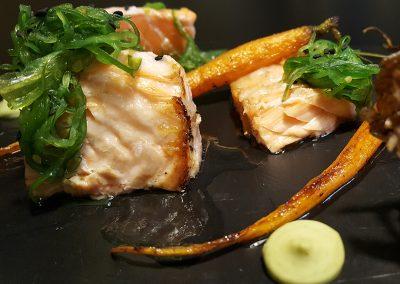 Salmón macerado en cítricos al horno